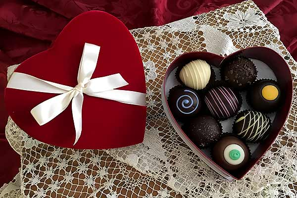 Valentines Day Truffles in 8pc Heart Shaped Box